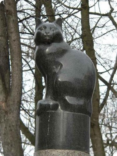 памятник подопытной кошке Петербург