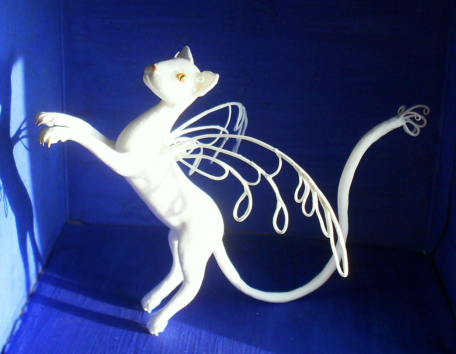 сувенир кошка фея с крыльями из полимерной глины