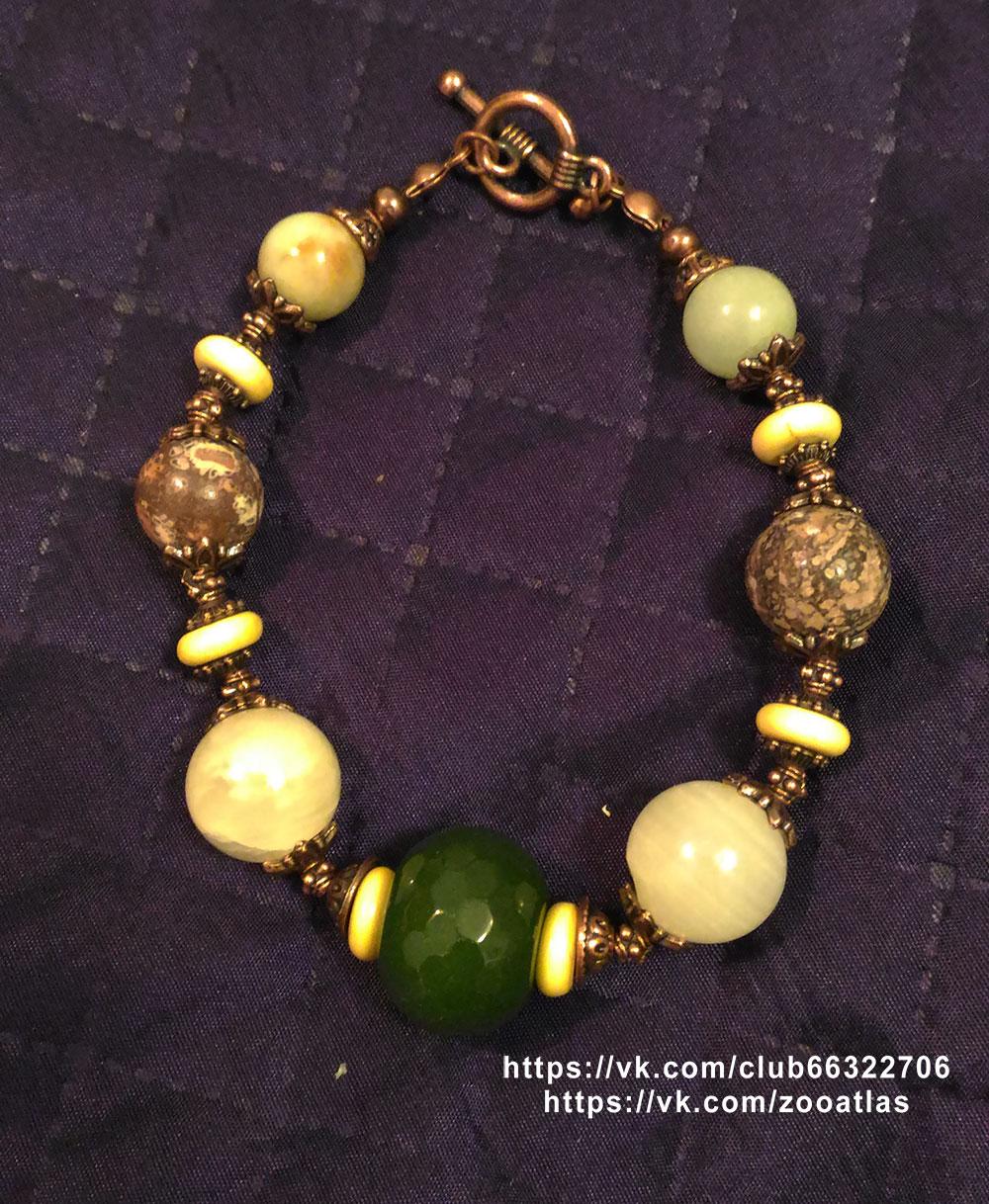 браслет из натуральных камней с нефритом и ониксом